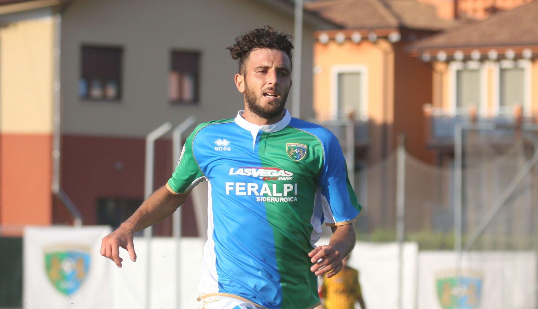 Andrea Bracaletti in maglia biancorossa